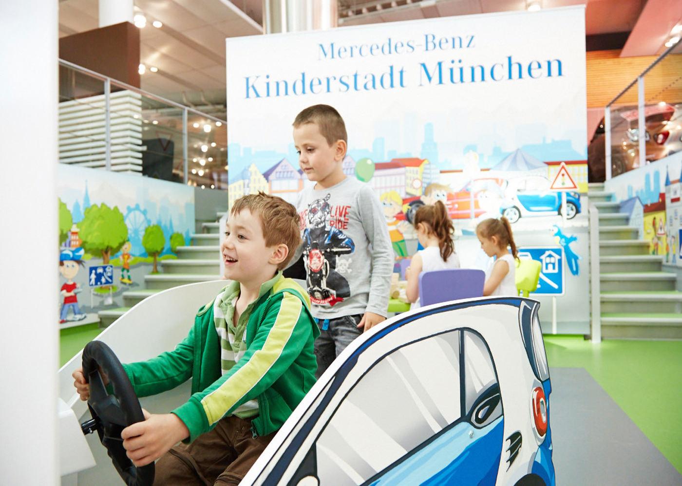 Ravensburger Marken Erlebniswelt - Mercedes Benz Kinderstadt München